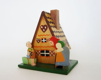 Vintage Wooden Hansel and Gretel Gingerbread Cabin Money Piggy Bank
