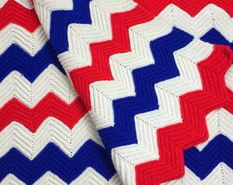 """Chunky Knit Afghan Blanket Full Queen 76"""" x 94"""" Bedspread Chevron Vintage Red White Blue Stripe American Flag Throw Picnic Americana Decor"""