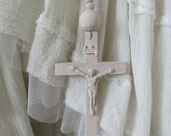 SEAWASHED ROSARY ROSE Petal PinkLarge 68 inches Hand-painted Wood Jeanne d Arc Living French Nordic Shabby Chic Romantic Quiet Living