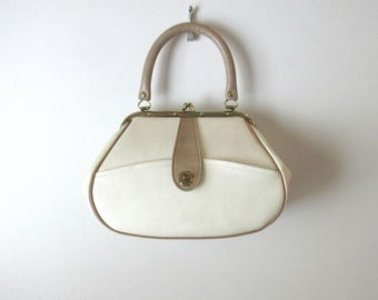 Vintage Handbag 1950s 1960s Ivory Beige Taupe Vinyl Small Purse Leather Look Top Handle Bag  Possibly Deadstock NOS