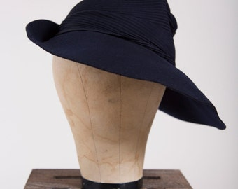 1940s Vintage Navy Blue Wool Felt Fedora