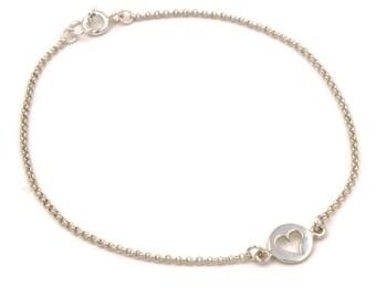 Heart Bracelet, Tiny Heart Bracelet, Sterling Silver Heart Bracelet, Dainty Bracelet, Delicate Bracelet, Simple Chain Bracelet, Gift For Her