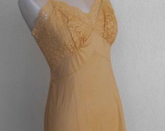 Vintage Full Slip Vanity Fair Gold Yellow Lace Size 34 Slip Dress