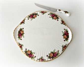 Old Country Roses Fluted Cake Plate with Serving Knife Royal Albert Mint