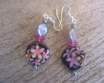 tropical, floral mother of pearl earrings, pink pearl  earrings, jewelry from Hawaii, romantic