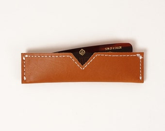 Comb with Tan Leather Case | UNIFORM