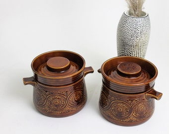 Set of Two Ellgreave Pottery Saxony Casserole Dishes and Lids