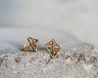 PIEN RUUTI Earrings Bronze, hand carved unique design stud earrings