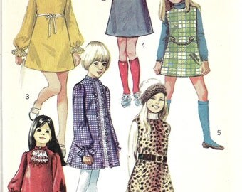 Vintage Girls Mod Dress Pattern, Retro Victorian 1960s Dress, Jumper and Scarf Pattern, Stand Up Collar, Lace Jabot, Long Sleeves, Size 4
