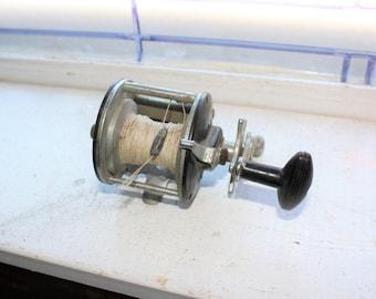 Vintage Pflueger Bond Fishing Reel