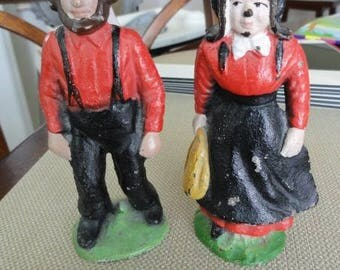 Vintage Cast Iron Mom and Pop Amish Figures    C955
