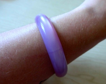 SALE !! Beautiful Mauve Lucite 1950's 1960's Bangle