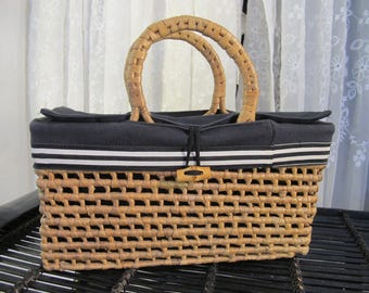 Vintage 90's women's handmade black lined and natural straw  suitcase style purse