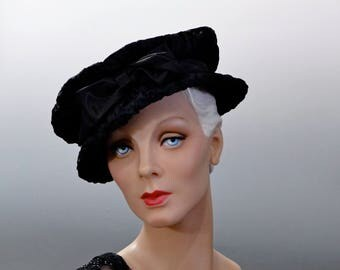 Black Silk Beret Accordion Pleats and Bow Vintage Hat Fashions 1940's Women's Accessories