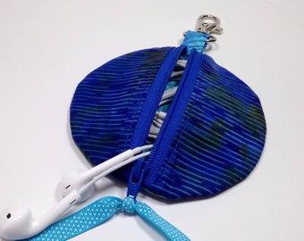 Circle Zip Earbud Pouch, Coin Purse, Royal Blue Zipper ipod shuffle bag, Earbud holder, Headphone Case, Gadget Cord Case