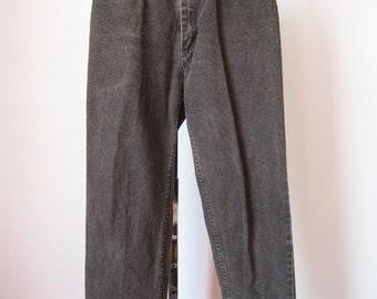 High Waisted Jeans / Vtg / Wrangler Black Stone Wash Straight Leg High Waisted Jeans / Size 10 P