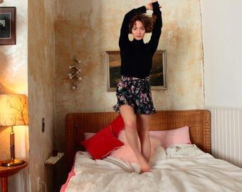 Shorts Leah, shorts, short pants, Summer pants, Ruffles, flowers pants, floral shorts, shorts, flowers flower shorts, pants