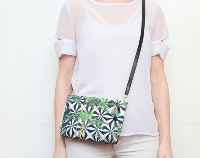 Tropical shoulder bag. Small crossbody purse. Everyday bag. Bridesmaid gift. Simple bag. Tropical fabric. Palm print. White bag. /MODEST 18