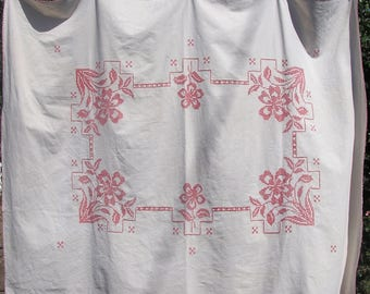 Vintage Embroidered Tablecloth . Cottage Chic Table Linens . Floral Tablecloth . 56 x 71