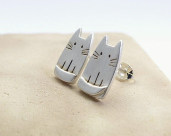 Unique Silver Cat Earrings - Animal Pet Jewelry - Cat lady Stud Earrings - Cat Lover Gifts For Her - Pet Lover Gift - Gift for Mother's Day