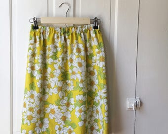 70s Retro Style Yellow Floral Skirt