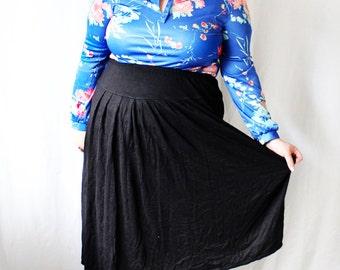 Plus Size - Black Sweater Knit Yoke Pleated Skirt (Size 16/18)
