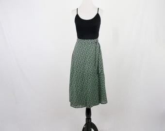 1970s Petite Flower Print Wrap Skirt