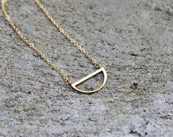 Geometric Half Moon Necklace // Gold Semi Circle // 16K Gold // Minimal Necklace // Layering Necklace // Shapes Necklace // Everyday Jewelry