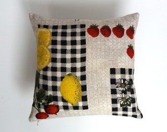 SALE ## LEMONS & DAISIES Mid Century - Vintage Barkcloth Pillow Cover - Retro - Made To Order
