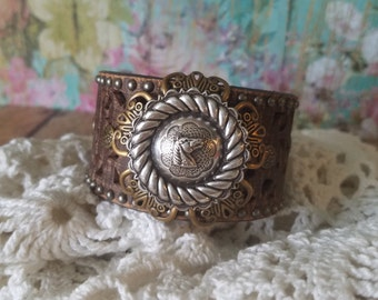 Silver HoRse Concho Brown Leather Cuff Bracelet> Rustic/ Country Girl/ Rodeo/ Barrel Racer/ Barn/ Cowgirl/ Equestrian/ Rider/ Ranch/ Farm