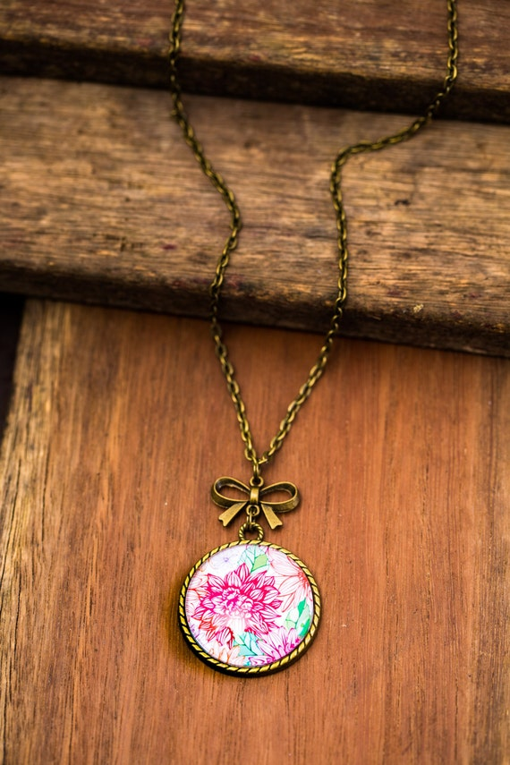 FREE SHIPPING - **NEW** Floral 30mm Bronze Lace & Bow Pendant Necklace - Unique - Vintage - Gorgeous Gift - Love