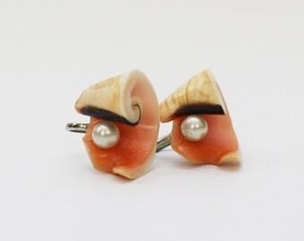 30s Seashell Earrings - Vintage 1930s Screw Back Shell Pearl Earrings