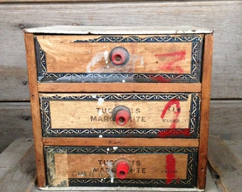 box with drawers / folk art box / vintage storage box  / keepsake box / vintage folk art