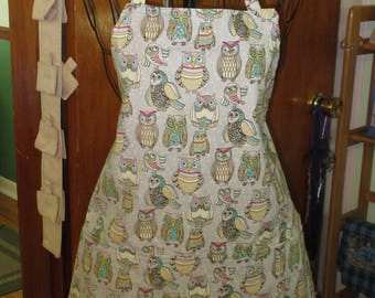 Owl Apron gray owl apron, women's aprons ladies owl aprons, Adult aprons Size medium 27.75 in. wide X 26 in. long.