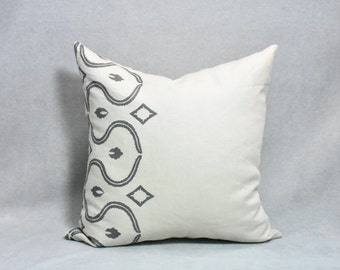 Grey curves on natural linen Pillow