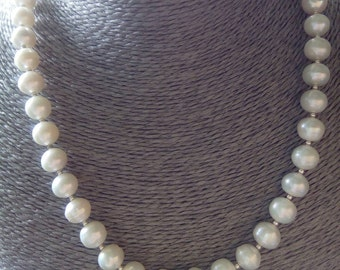 Freshwater Cultured Pearl Necklace with 925 Sterling Silver and White Topaz Bar