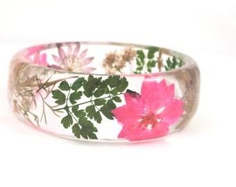 Botanical bangle bracelet, Real Pink flower bangle, Real flower Bangle, Pressed Flower Resin jewelry, Pink Larkspur, Rounded Bangle