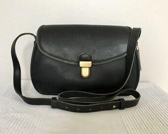 Vintage COACH Black Leather Classic Legacy Flap Shoulder Bag Purse