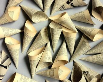 Wedding Cones - 25 Paper Cones - Vintage Dictionary Petal Toss Cones - Literary Wedding - Petal Cones - Vintage Wedding - Small Toss Cones