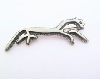 Vintage Pewter Uffington White Horse Chalk Hill Figure Celtic Brooch