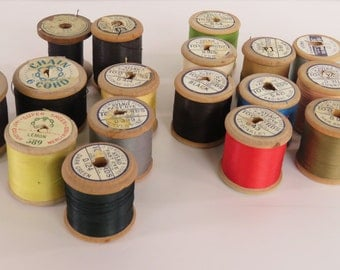 Vintage 1940s sewing threads - bulk lot of 18 - all but 2 are full reels some classic colours - Sylko and other brands