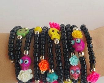 beaded bracelet - skull jewelry - memory wire - skull bracelets - bestfriend gift - girlfriend gift - sister gift - dia de los muertos