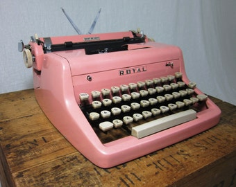 Beautiful 1956 Bubble Gum Pink Royal Quiet De Luxe Working Typewriter & Case!
