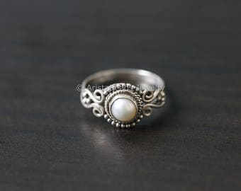 Pearl Ring, Handmade Pearl Ring Round, Pearl Silver Ring, Silver ring, 925 Silver ring, June Birth stone