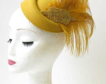 Gold Ostrich Feather Pillbox Hat Races Vintage Fascinator Ascot Headpiece 1661