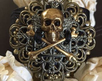 Gold skull bracelet leather cuff, pirate jewelry, Gothic bracelet, skull gift