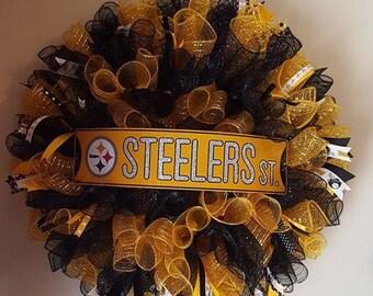 Handmade Pittsburg Steelers Deco Mesh Wreath (NFL)