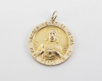 Vintage 14K yellow Gold Sacred Heart Of Jesus Religious Charm Pendant