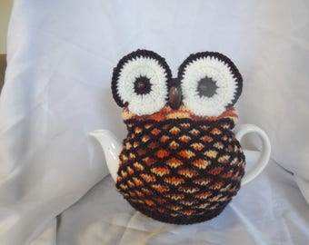 Brown and CreamOwl Tea Cosy