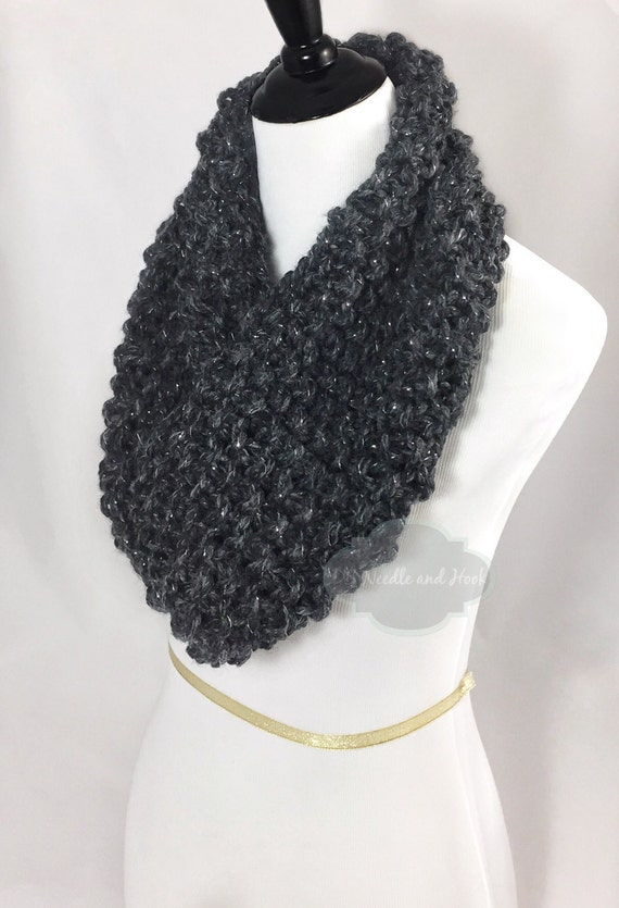 Gray Chunky Knit Scarf, Charcoal Seed Stitch Cowl, Grey and Silver Snood, Chunky Neck Warmer, Short Infinity Scarf, Knit Collar Scarf